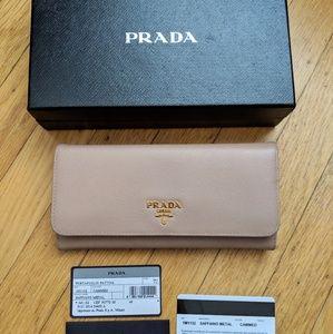 Prada saffiano leather wallet, beige (cammeo)